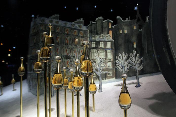 法国Boulevard Haussmann大道Dior圣诞夜_printemps-dior-pop-up-2012-yatzer-3.jpg