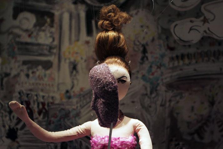 法国Boulevard Haussmann大道Dior圣诞夜_printemps-dior-pop-up-2012-yatzer-4.jpg