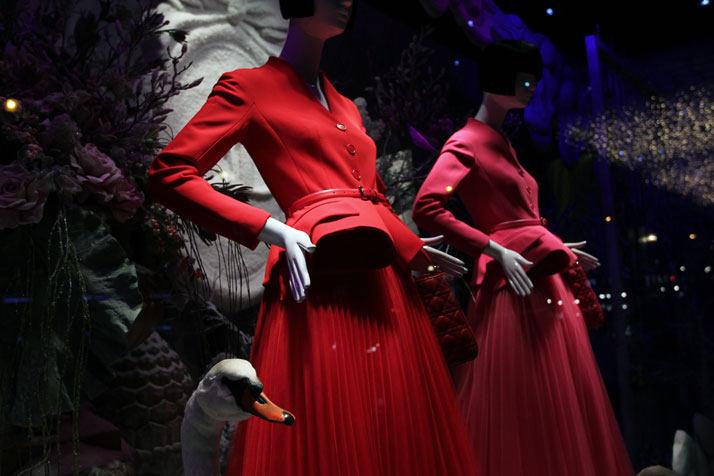 法国Boulevard Haussmann大道Dior圣诞夜_printemps-dior-pop-up-2012-yatzer-5.jpg