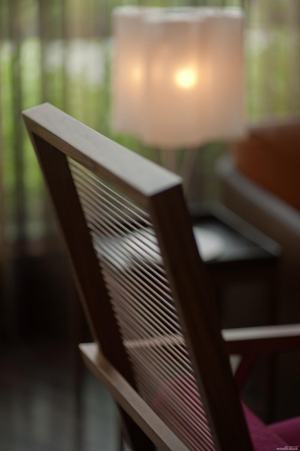 迪拜卓美亚溪畔酒店 Jumeirah Creekside Hotel_Jumeirah_Creekside_Hotel-_Crimson_Gallery-_Furniture_shot.jpg