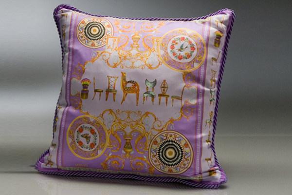 免费分享个人收藏的抱枕,希望同仁们喜欢_483343120_xQt3B4_cu21sej0047-var-0002-max.jpg