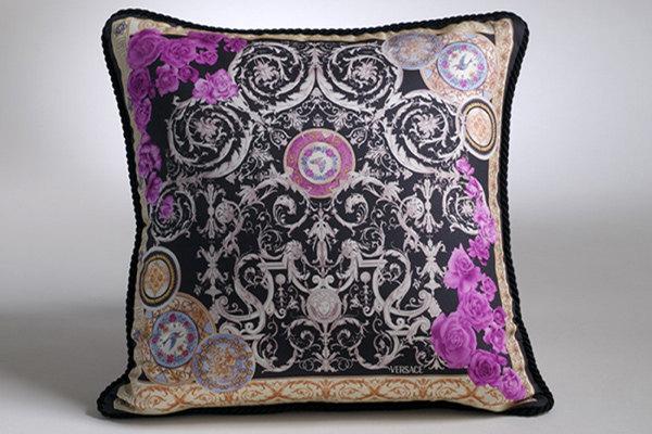 免费分享个人收藏的抱枕,希望同仁们喜欢_669270135_H03zcv_CU21SEJ0049-var.0004max.jpg