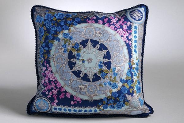 免费分享个人收藏的抱枕,希望同仁们喜欢_669270135_M3fu85_CU21SEJ0052-var.0004max.jpg