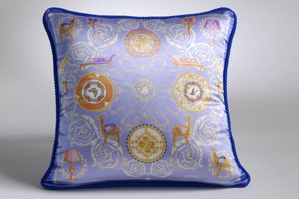 免费分享个人收藏的抱枕,希望同仁们喜欢_669270135_P6WUbE_CU21SEJ0051-var.0001-max.jpg