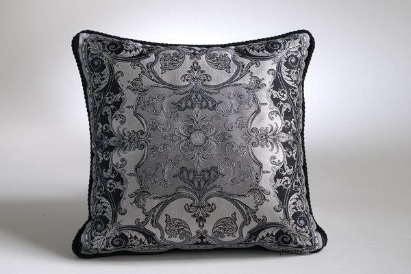 免费分享个人收藏的抱枕,希望同仁们喜欢_900822532_1Wrpn0_CU21SE26499-var.0001max.jpg