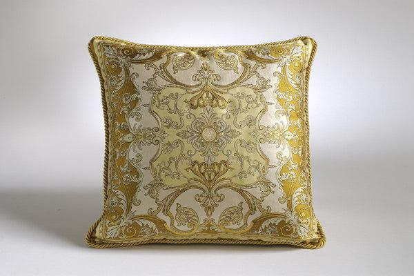 免费分享个人收藏的抱枕,希望同仁们喜欢_900822532_02S621_CU21SE26499-var.0004max.jpg