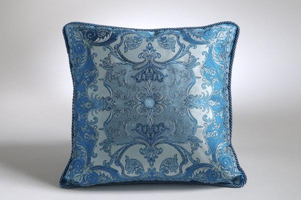 免费分享个人收藏的抱枕,希望同仁们喜欢_900822532_5b74It_CU21SE26499-VAR.0002max.jpg