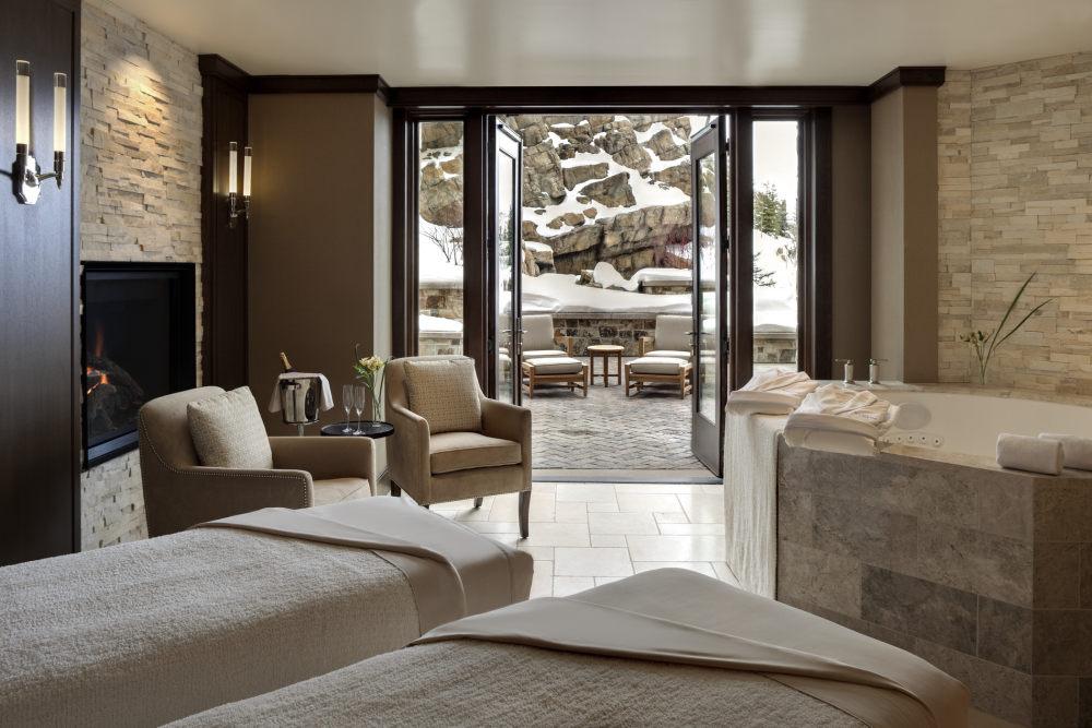 犹他州鹿谷瑞吉酒店The St. Regis Deer Valley, Utah (..._The St. Regis Deer Valley—Couples spa suite.jpg