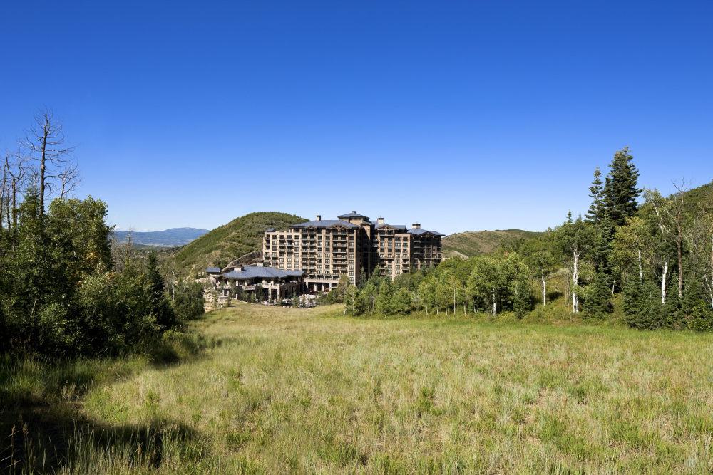 犹他州鹿谷瑞吉酒店The St. Regis Deer Valley, Utah (..._The St. Regis Deer Valley—Exterior.jpg