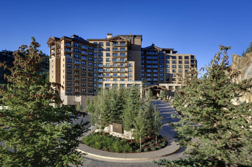 犹他州鹿谷瑞吉酒店The St. Regis Deer Valley, Utah (..._The St. Regis Deer Valley—Exterior1.jpg