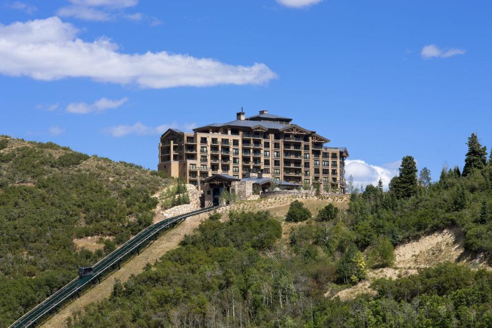 犹他州鹿谷瑞吉酒店The St. Regis Deer Valley, Utah (..._The St. Regis Deer Valley—Exterior5.jpg