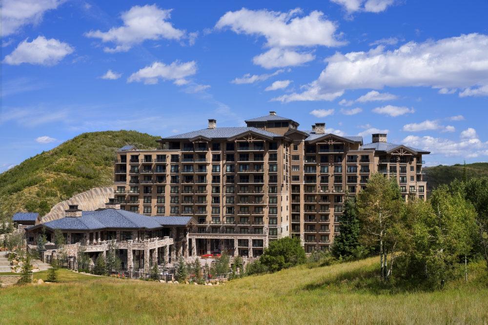 犹他州鹿谷瑞吉酒店The St. Regis Deer Valley, Utah (..._The St. Regis Deer Valley—Exterior9.jpg