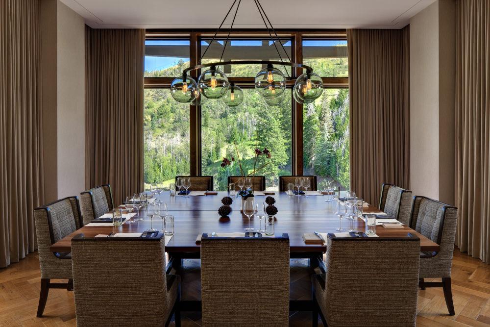犹他州鹿谷瑞吉酒店The St. Regis Deer Valley, Utah (..._The St. Regis Deer Valley—J&G Grill - chef\\\\\\'s table.jpg