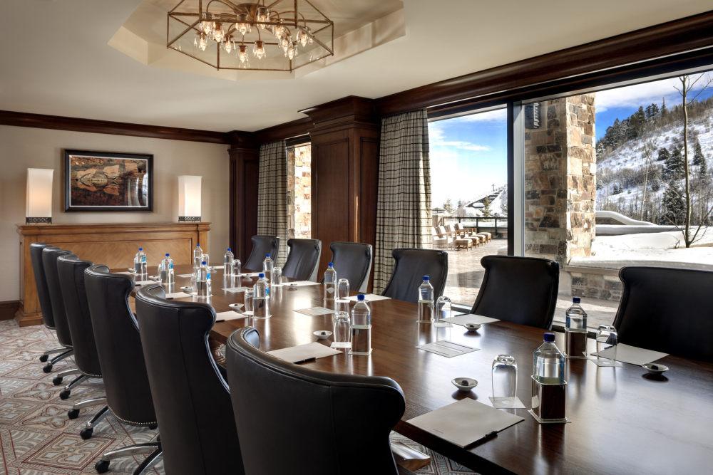 犹他州鹿谷瑞吉酒店The St. Regis Deer Valley, Utah (..._The St. Regis Deer Valley—John Jacob Astor Boardroom.jpg
