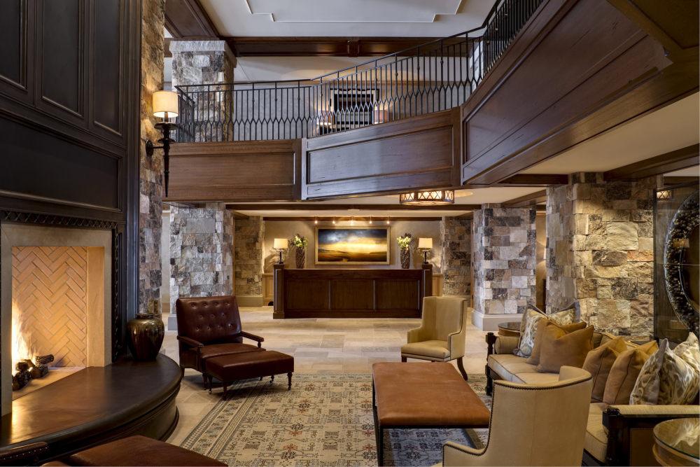 犹他州鹿谷瑞吉酒店The St. Regis Deer Valley, Utah (..._The St. Regis Deer Valley—Lobby.jpg