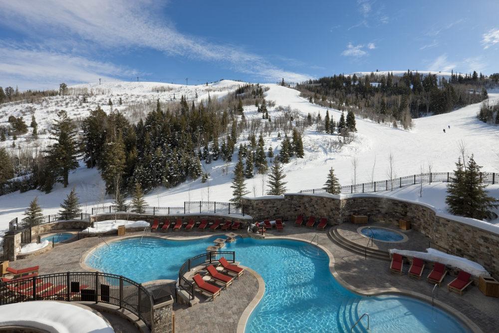 犹他州鹿谷瑞吉酒店The St. Regis Deer Valley, Utah (..._The St. Regis Deer Valley—Outdoor Pool.jpg