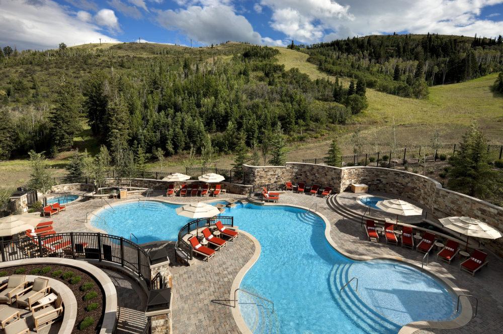 犹他州鹿谷瑞吉酒店The St. Regis Deer Valley, Utah (..._The St. Regis Deer Valley—Pool.jpg