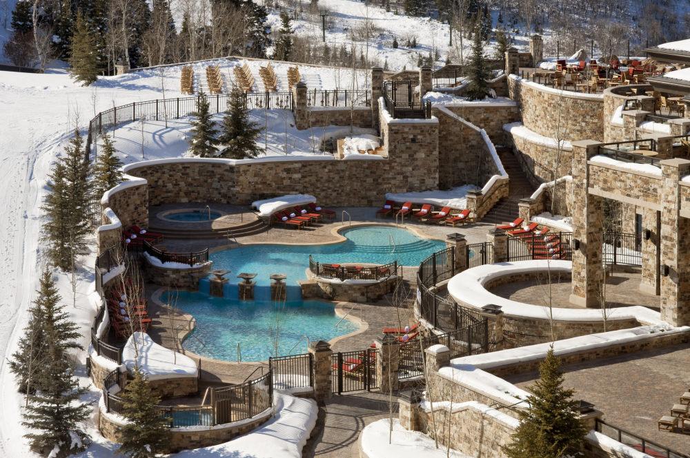 犹他州鹿谷瑞吉酒店The St. Regis Deer Valley, Utah (..._The St. Regis Deer Valley—Pool1.jpg