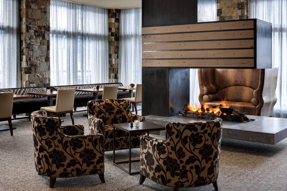 犹他州鹿谷瑞吉酒店The St. Regis Deer Valley, Utah (..._The St. Regis Deer Valley—St. Regis Bar & Lounge.jpg