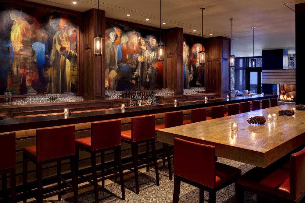 犹他州鹿谷瑞吉酒店The St. Regis Deer Valley, Utah (..._The St. Regis Deer Valley—St. Regis Bar and Lounge.jpg