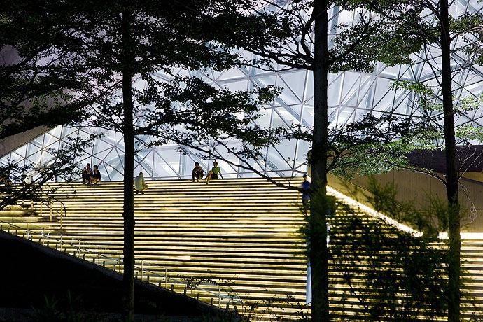 广州歌剧院-Zaha Hadid Architect_Guangzhou-Opera-3.jpg