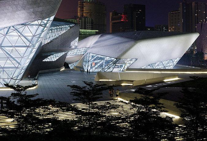 广州歌剧院-Zaha Hadid Architect_Guangzhou-Opera-4.jpg