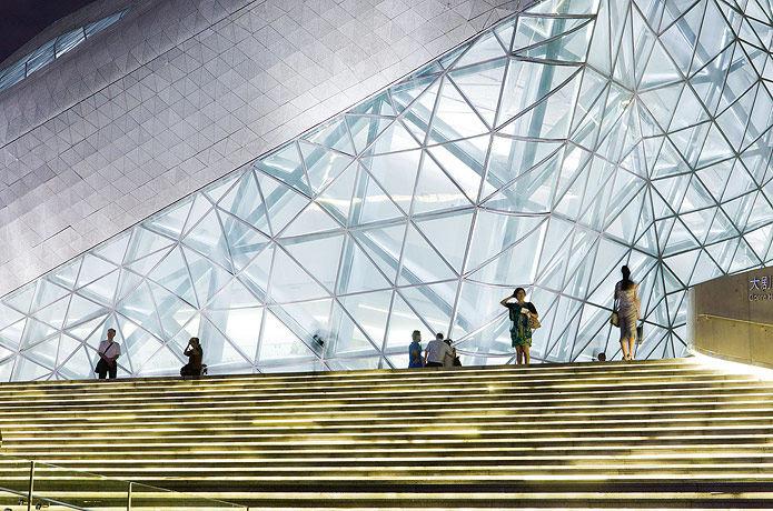 广州歌剧院-Zaha Hadid Architect_Guangzhou-Opera-5.jpg