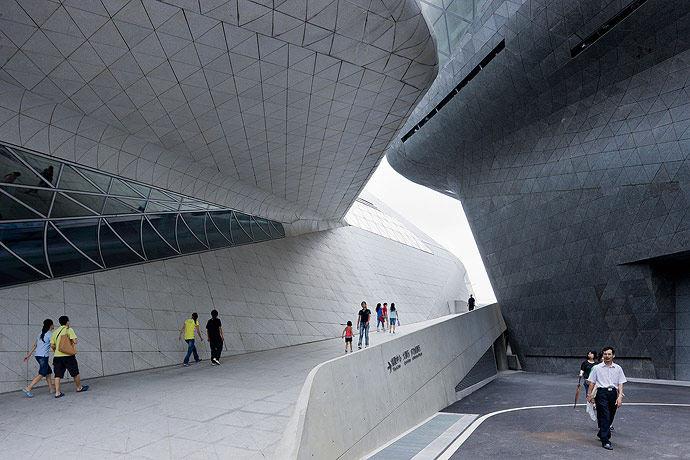 广州歌剧院-Zaha Hadid Architect_Guangzhou-Opera-6.jpg