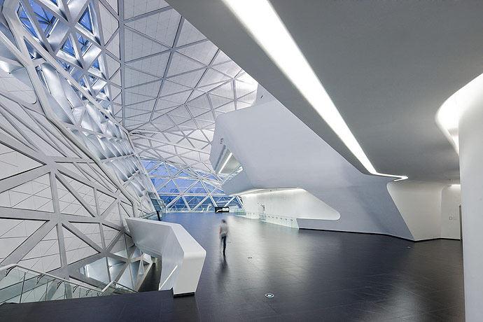 广州歌剧院-Zaha Hadid Architect_Guangzhou-Opera-8.jpg