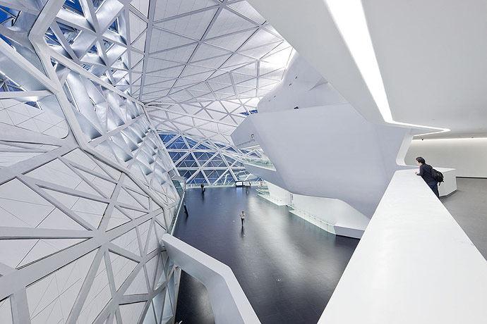 广州歌剧院-Zaha Hadid Architect_Guangzhou-Opera-10.jpg