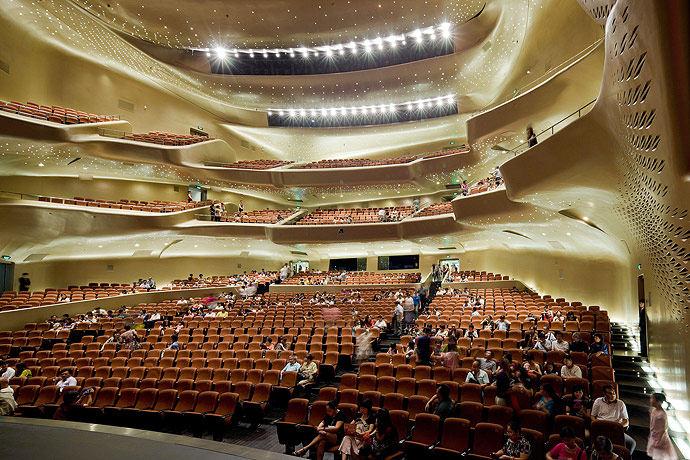 广州歌剧院-Zaha Hadid Architect_Guangzhou-Opera-14.jpg