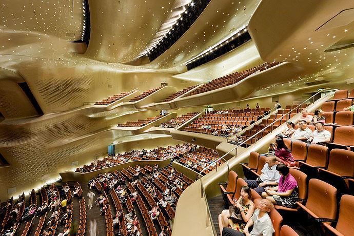 广州歌剧院-Zaha Hadid Architect_Guangzhou-Opera-15.jpg