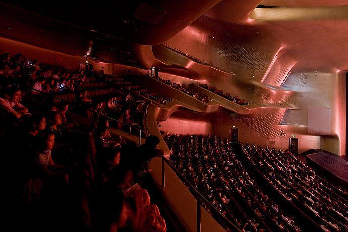 广州歌剧院-Zaha Hadid Architect_Guangzhou-Opera-16.jpg