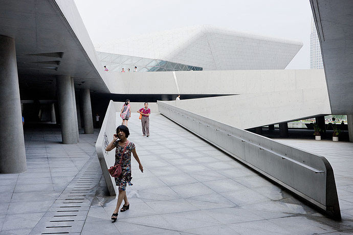 广州歌剧院-Zaha Hadid Architect_Guangzhou-Opera-17.jpg