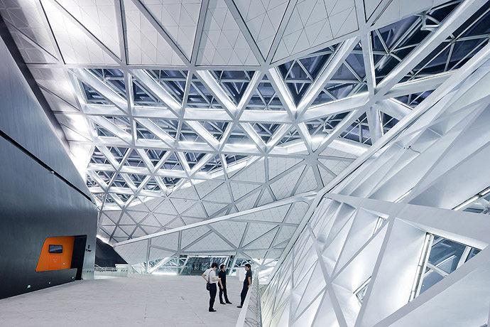 广州歌剧院-Zaha Hadid Architect_Guangzhou-Opera-20.jpg
