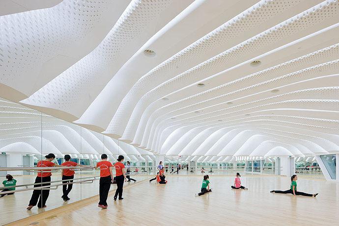 广州歌剧院-Zaha Hadid Architect_Guangzhou-Opera-23.jpg