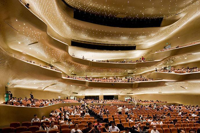 广州歌剧院-Zaha Hadid Architect_Guangzhou-Opera-25.jpg