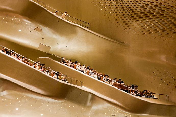 广州歌剧院-Zaha Hadid Architect_Guangzhou-Opera-26.jpg