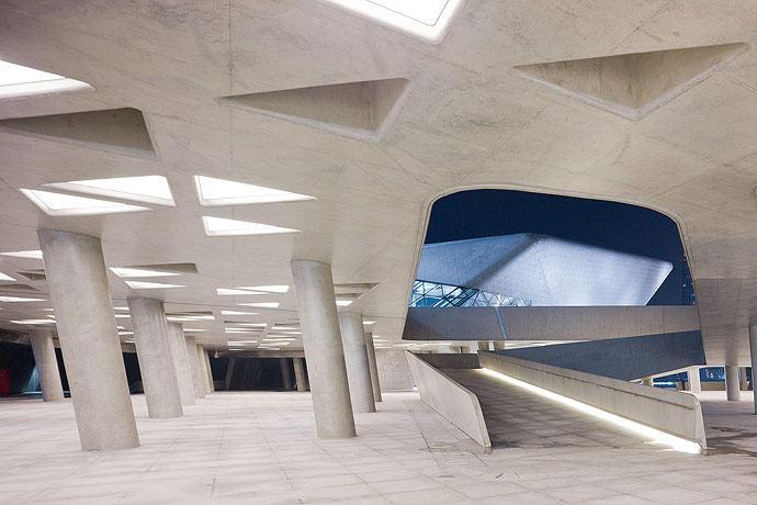 广州歌剧院-Zaha Hadid Architect_Guangzhou-Opera-29.jpg