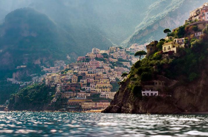 波西塔诺Amalfi海岸,坎帕尼亚,意大利。