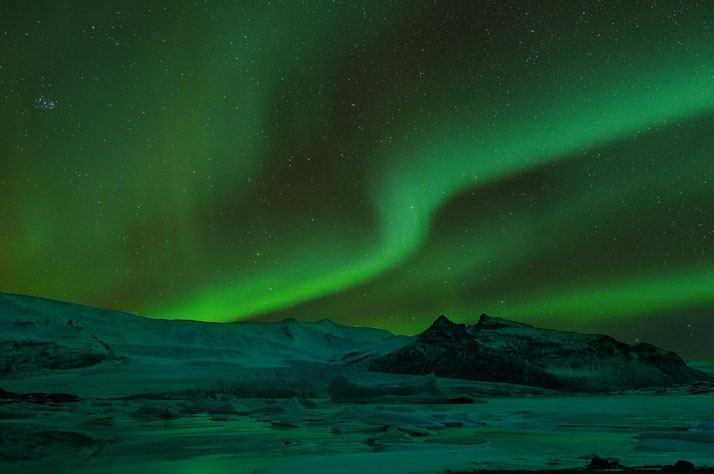 看到的北极光Fjallsarlon冰川湖,冰岛