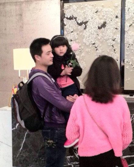 Angela和岳伦在深圳东海朗廷酒店check out1