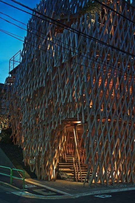SunnyHills-cake-shop-by-Kengo-Kuma-encased-within-intricate-timber-lattice_dezeen_6.jpg