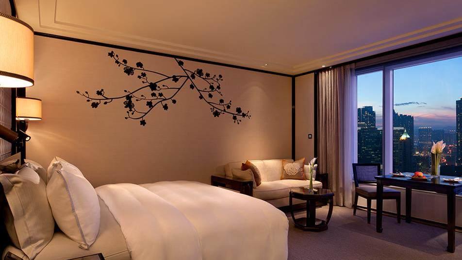 重新装修后的香港半岛酒店_Grand-Deluxe-Kowloon-View-Room.jpg