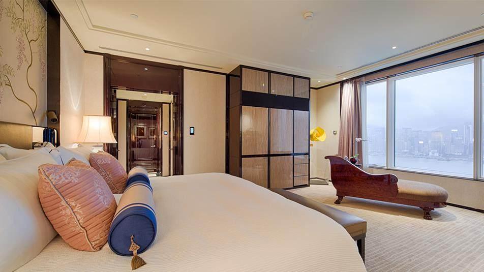 重新装修后的香港半岛酒店_Peninsula-Suite-Bed-Room.jpg