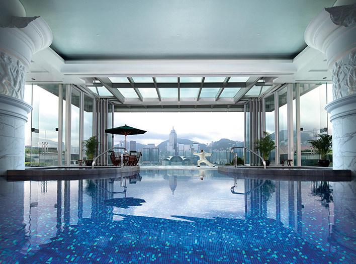 重新装修后的香港半岛酒店_Peninsula_pool.ashx.jpg