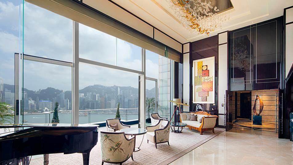 重新装修后的香港半岛酒店_Peninsula-Suite-Living-Room-day.jpg