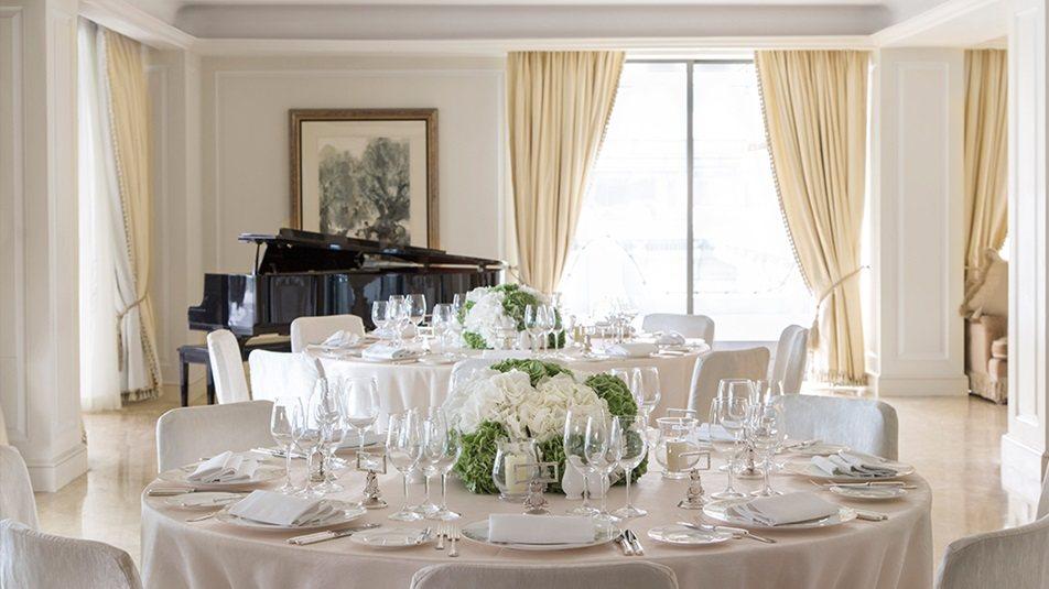 重新装修后的香港半岛酒店_Wedding_Carousel_Garden-Suite_Day.ashx.jpg