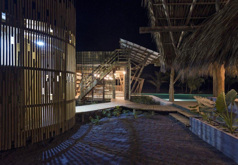 危地马拉Beach House( Christian Ochaita)_53ee9811c07a80388e00034d_guatemala-beach-house-christian-ochaita-roberto-g-lvez_.jpg