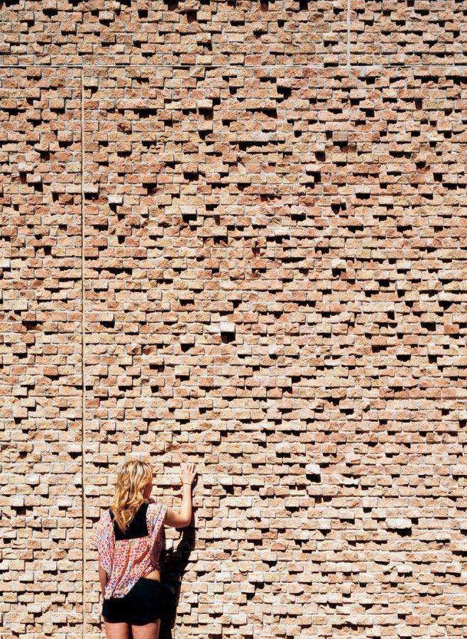 【地平线下的陈设】请各位进来拍砖......_6ea14a0e2028456eca0a59af13c83470.jpg